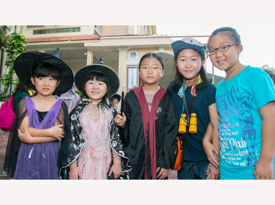 A group of Korean students at AP1 Book Week