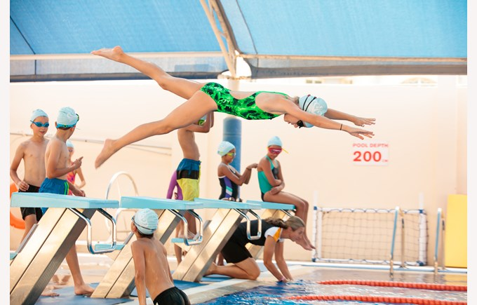 Swimming Girl Diving MK Pool