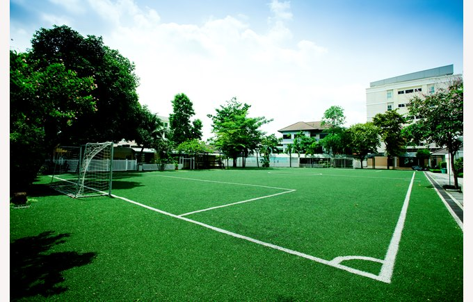 school football pitch corner field