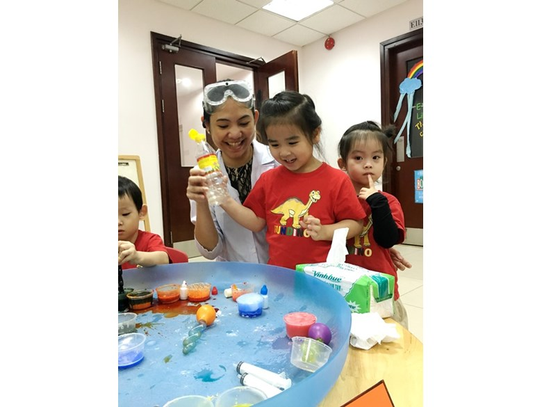 BVIS Hanoi International Early Years School - Science day (2)