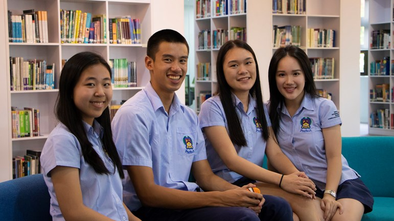 BIS - Head Students 2019 - Library