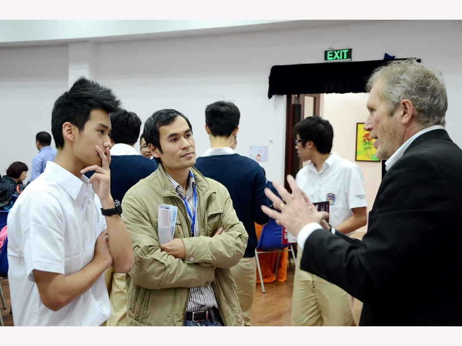BVIS Hanoi USA University Fair (7)