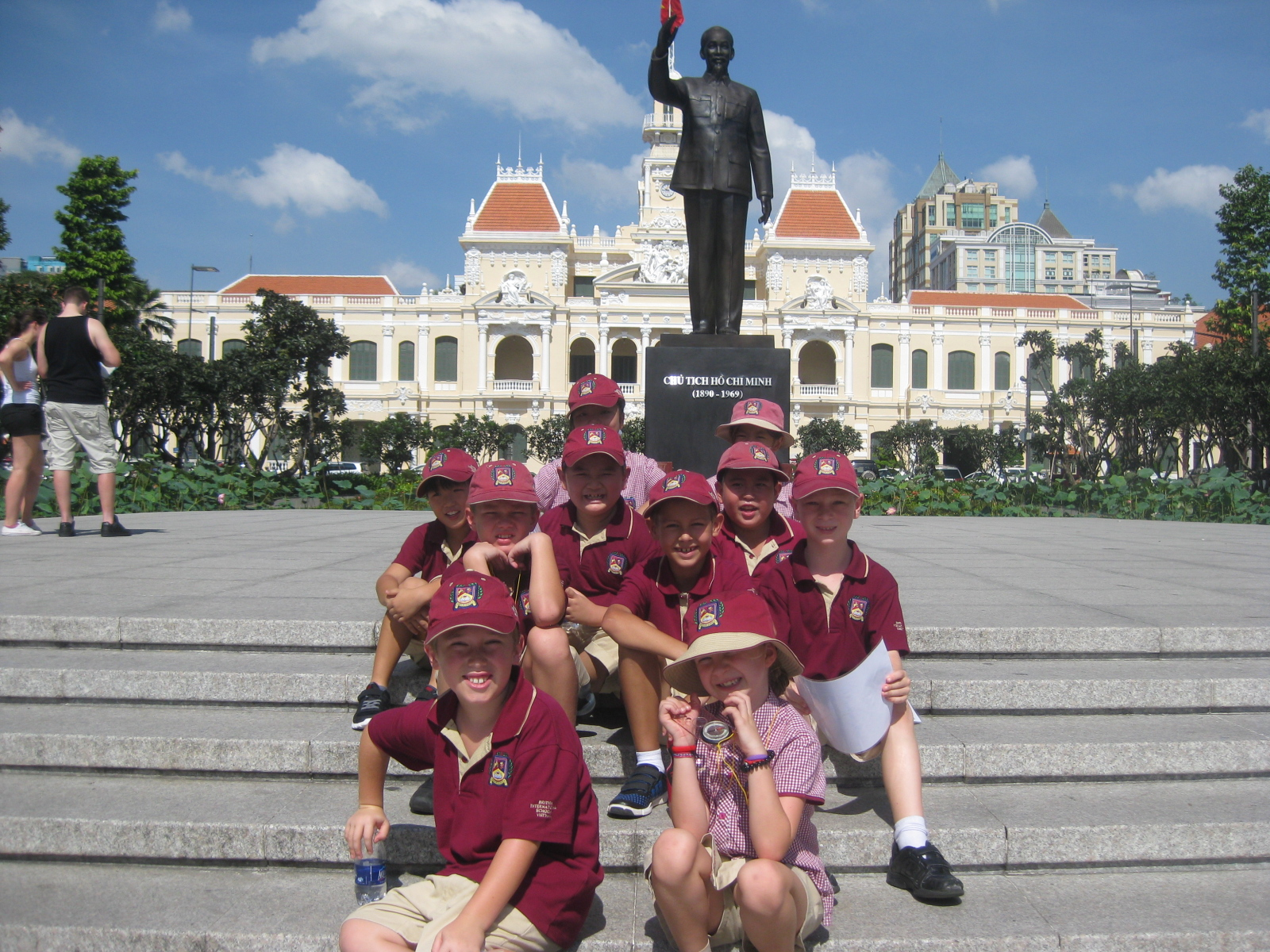 Year 4's The Amazing Race, Saigon