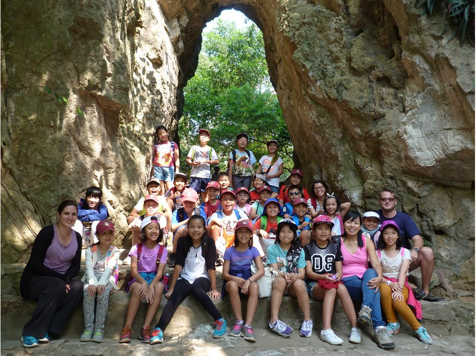 Group of children at Marble Mountain Hoi An