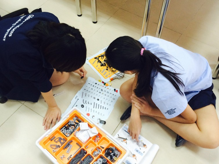 British International School Hanoi Robotic Club (4)