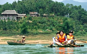 Duke of Edinburgh Thac Ba Lake BVIS Hanoi (1)