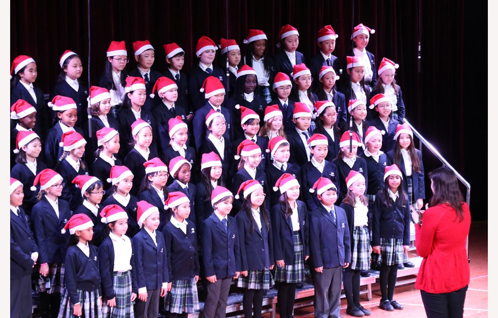 2019 Christmas Fayre Year 5 & 6 Choir (2)