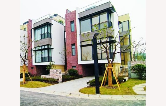 Image of housing in Haucao, Westwood green Shanghai, Townhomes, China, accommodation, compounds, safe living in Shanghai, living in China, Shanghai China.