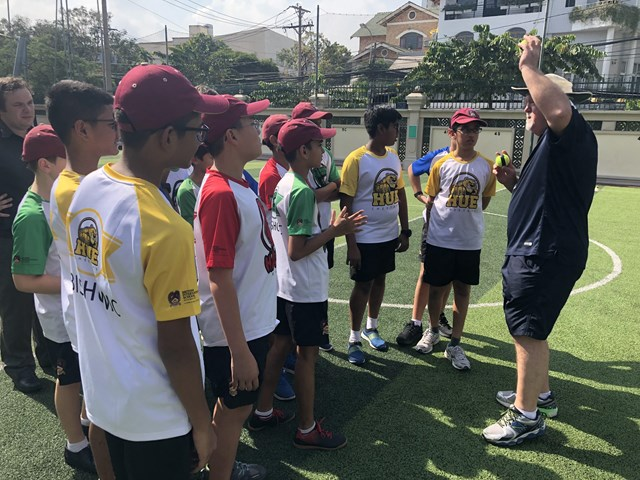 Mike Gatting Cricket 18_BISHCMC-min