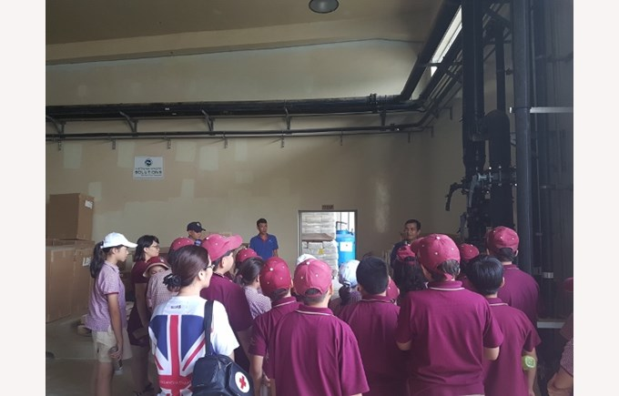 TX's Year 5 students visit Vietnam Waste Solutions Facility 3 (640x480)