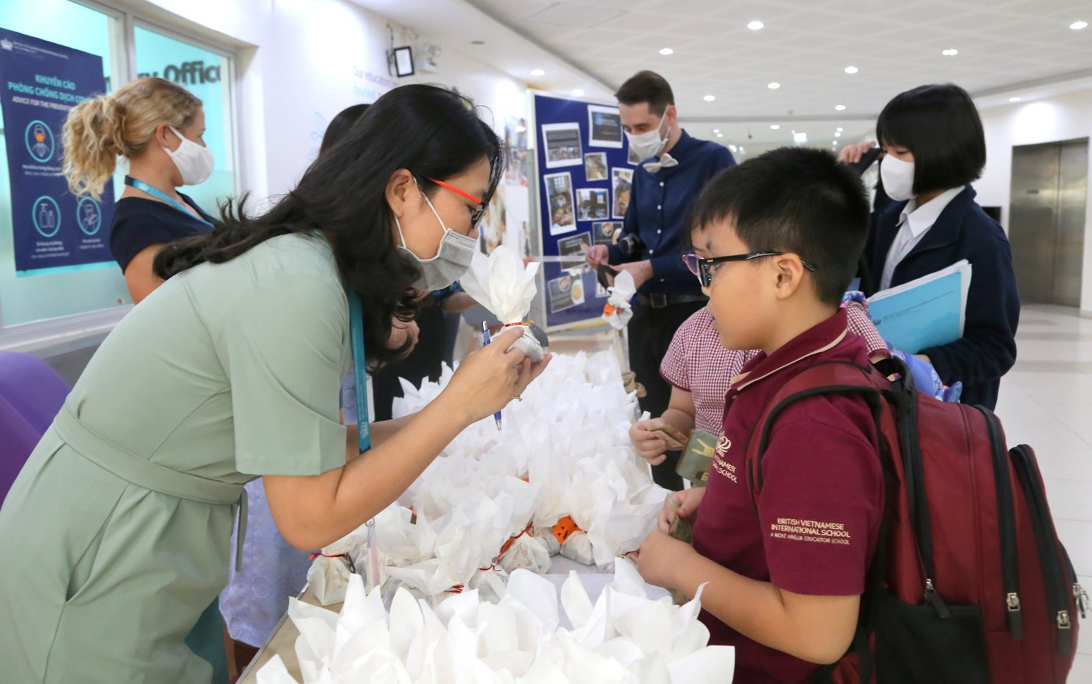 BVIS HCMC Primary Central Flood Fundraising cake sales (8)