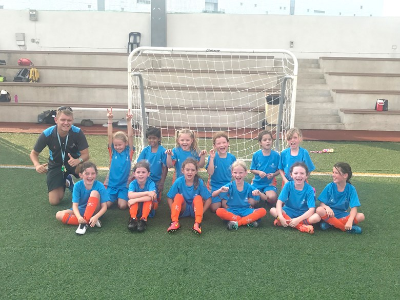 U8 Girls Football 2017