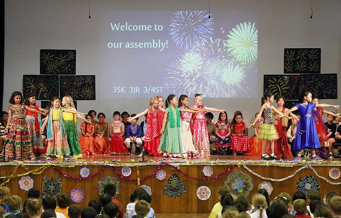 Upper Primary Assembly: Deepavali by 3SK, 3JR and 3/4ST