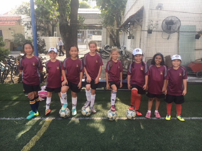 U9 and U11 Girls Football (4)