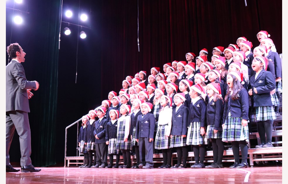 2019 Christmas Fayre Year 3 & Year 4 Choir