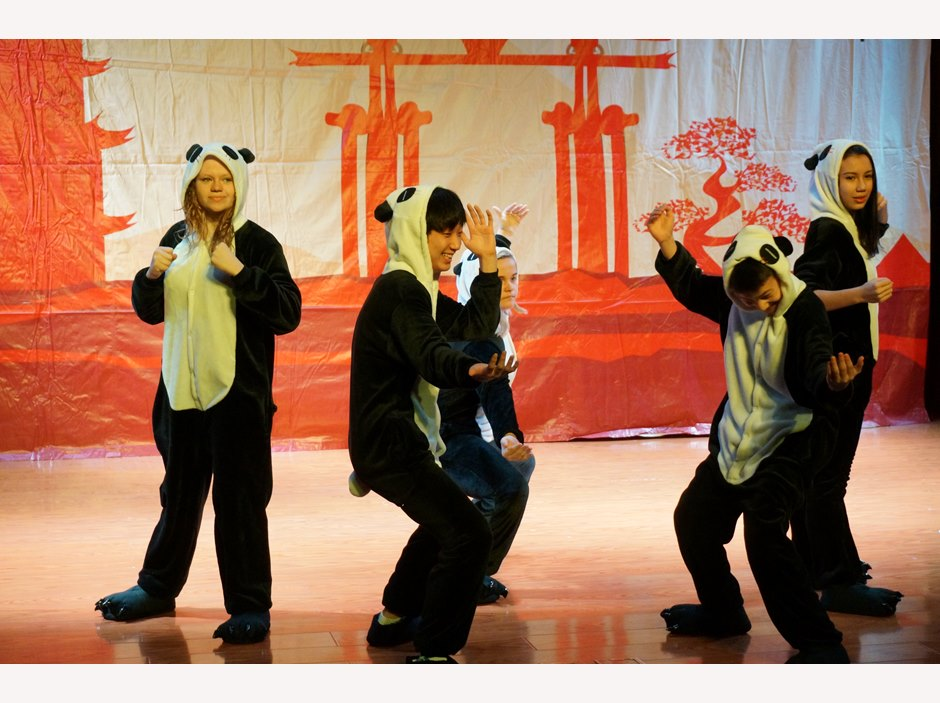 Chinese New Year - Dancing Pandas