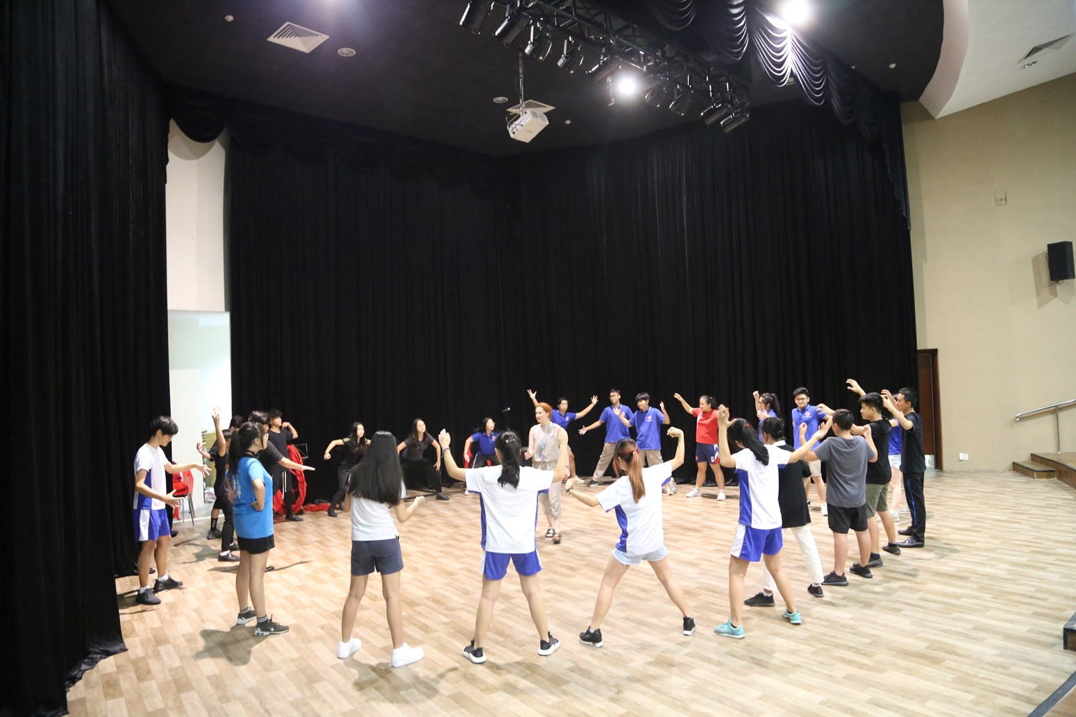 BVIS HCMC Splendid London Theatre Visit 2019 (13)