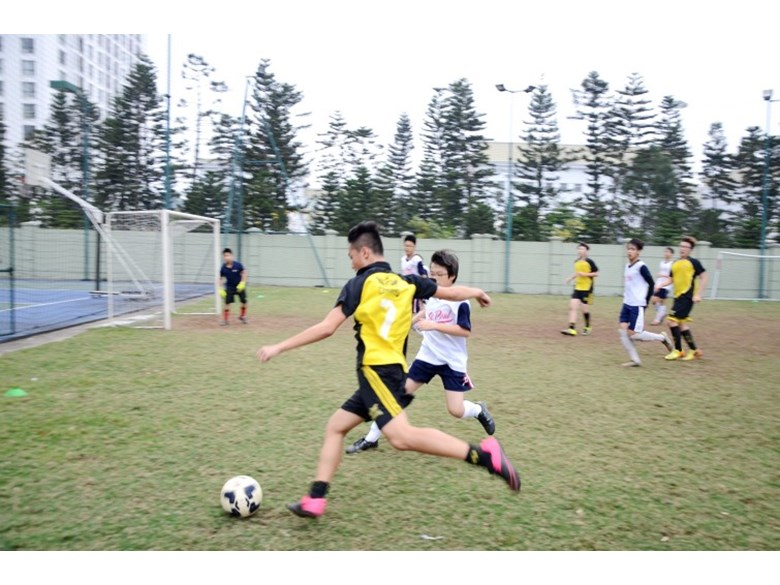 BVIS Football vs Stpaul (1)