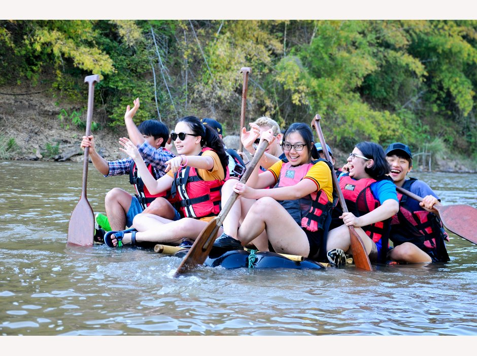 Rafting in Chiang Rai students