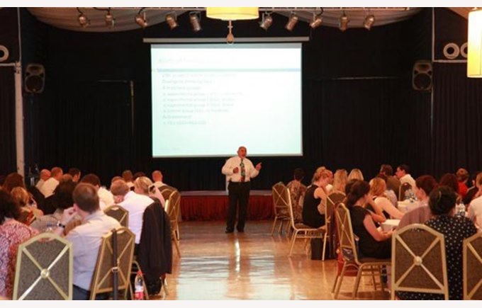 Professor Dylan Wiliam presents to staff