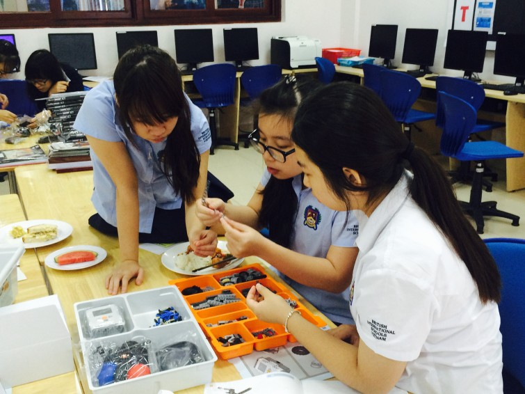 British International School Hanoi Robotic Club (3)