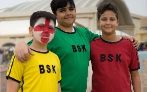 Students in house colours