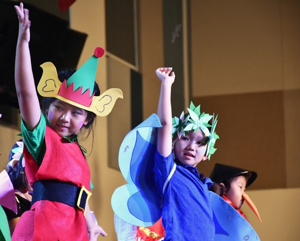Year 1 Christmas Production (10)
