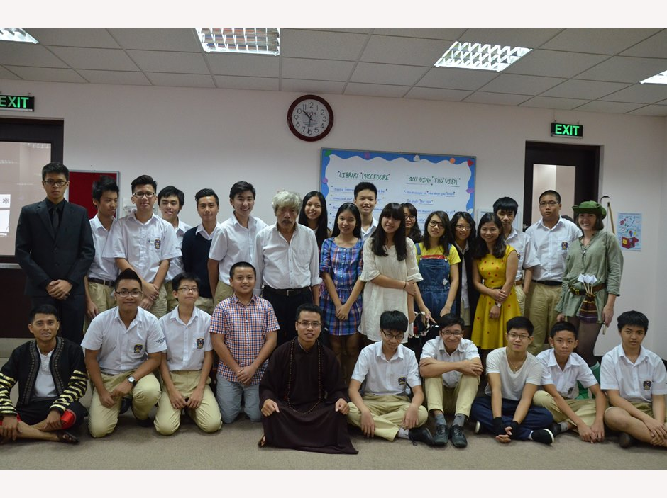 BVIS Hanoi Watch Us Book Week 2016 (1)