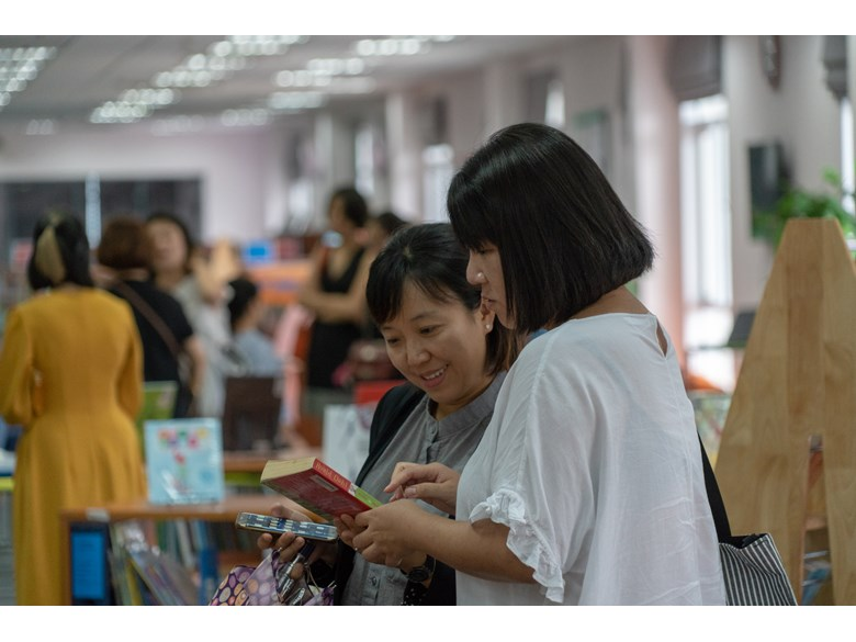 BIS Hanoi - Meet the Teacher and Librarian