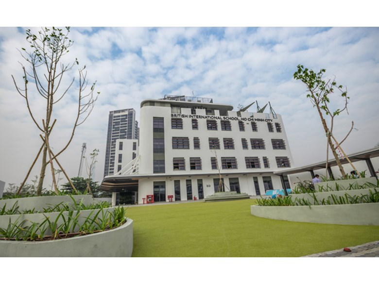 New EY&I Campus