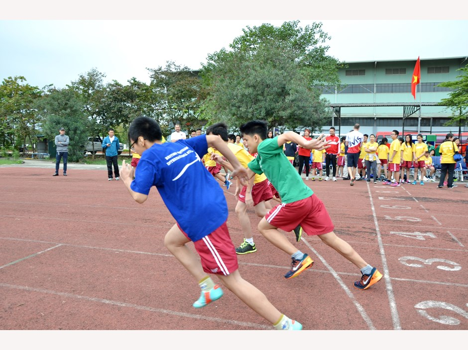 BVIS Hanoi Watch Us Secondary Sports Day 2016 (3)