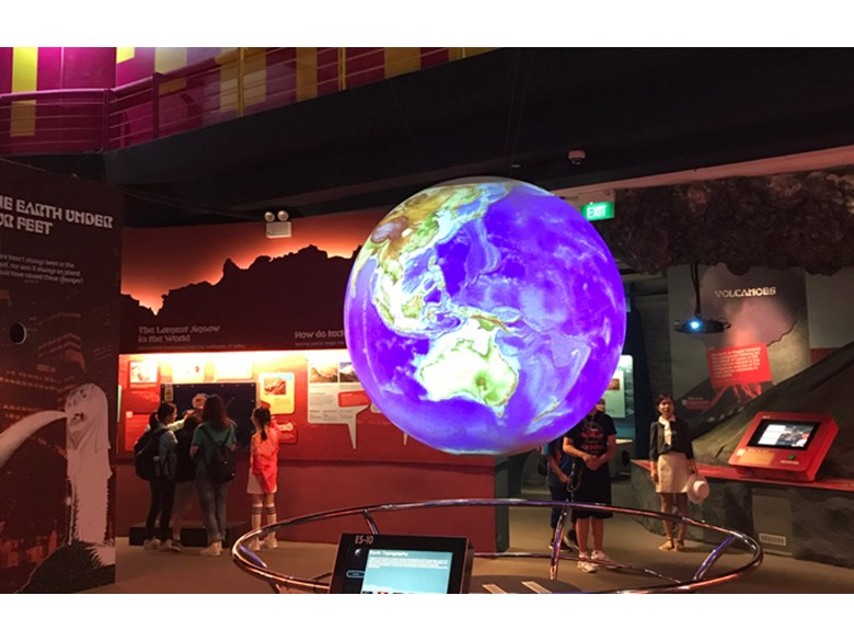 Dover Court International School Singapore Year 5 visits Singapore Science Centre