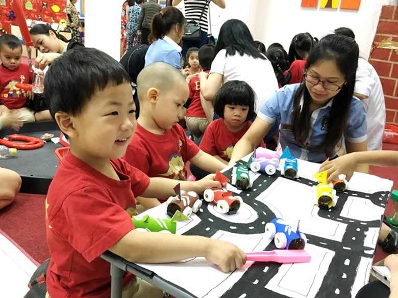 BVIS Hanoi International Early Years School - Science day (5)