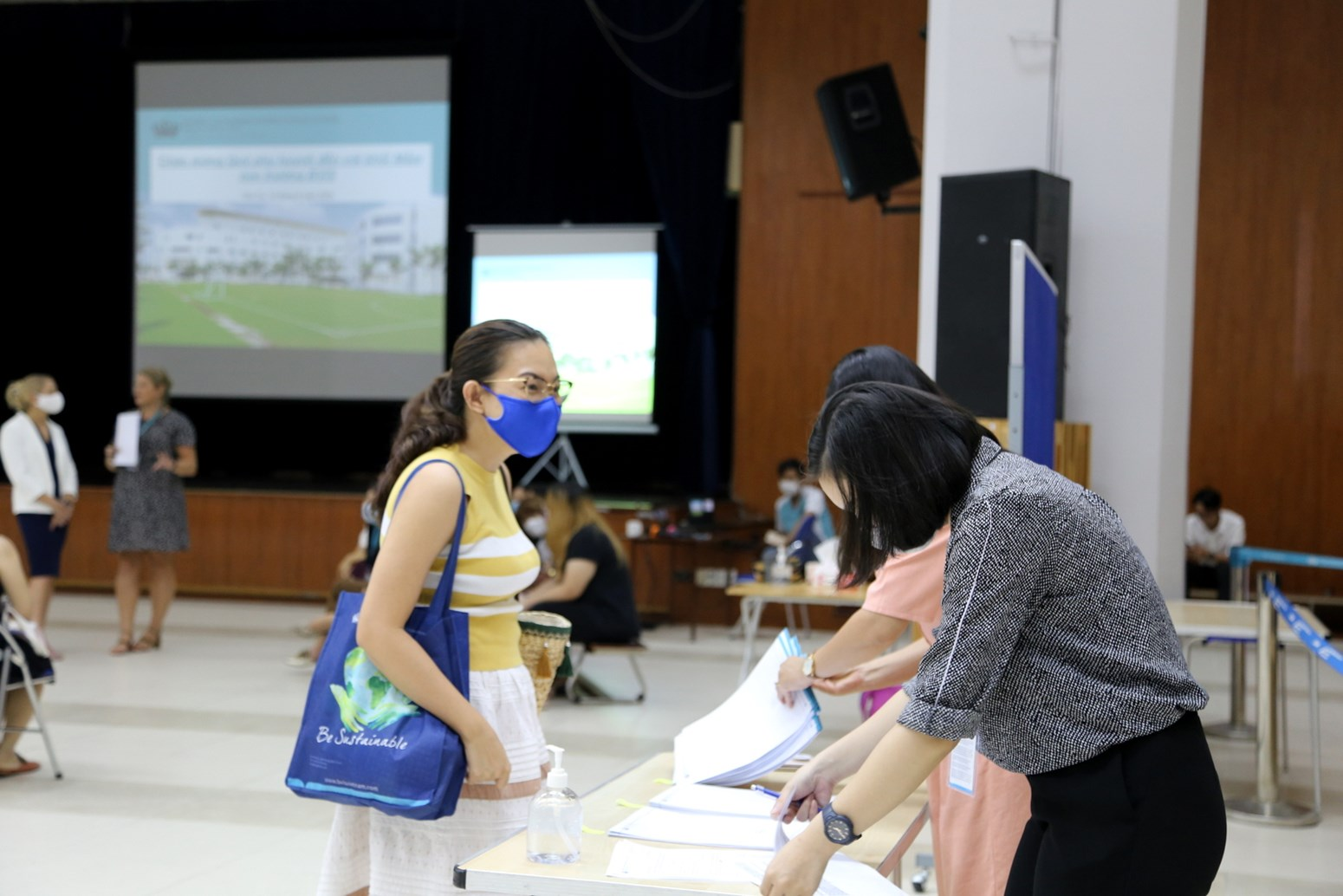 BVIS HCMC EYFS Staggered Entry Parents Meeting  (3)
