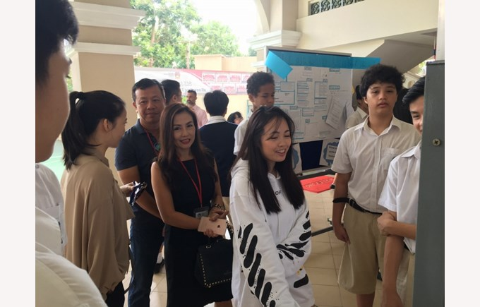 BIS HCMC Year 8 Science Fair 2017 4 (800x600)