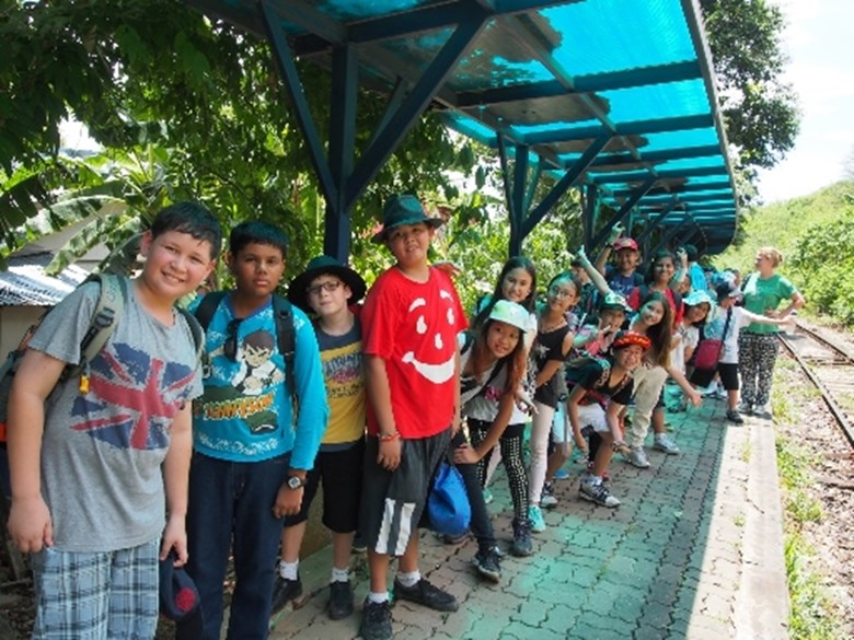 Students from Pattaya study history at Kanchanaburi
