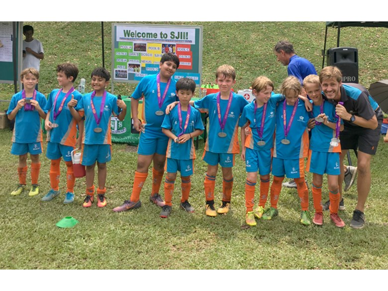 DCIS Lions Under 9 Boys Football Team Take Silver