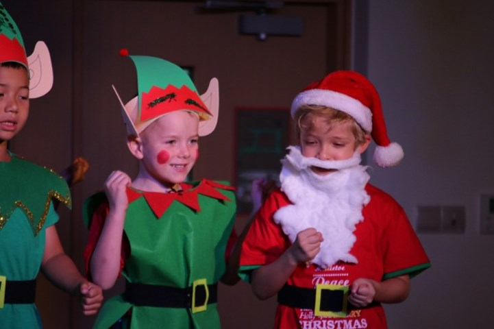 Year 1 Christmas Production (17)