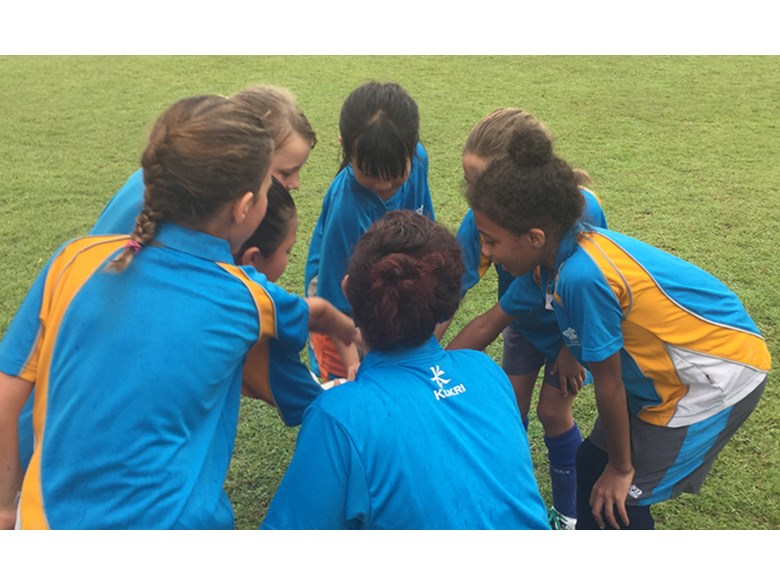 DCIS Lionesses U9 Girls Football win gold 2016