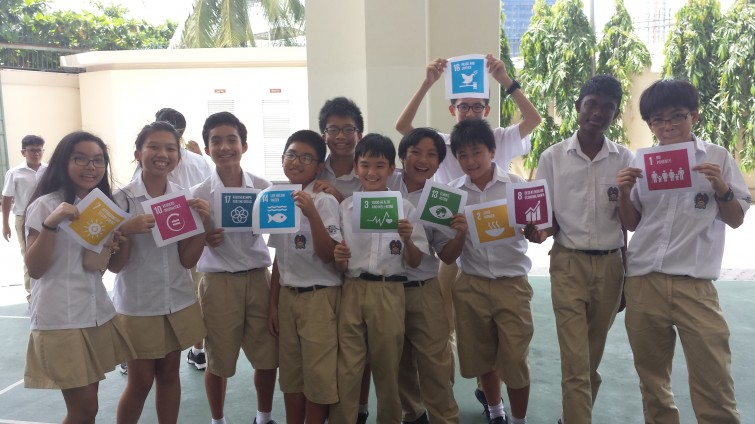 An Phu Secondary Global Goal Selfies