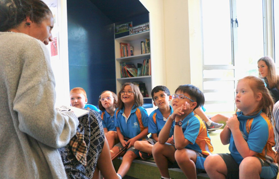 Mystery Reader Visits Year 3LT