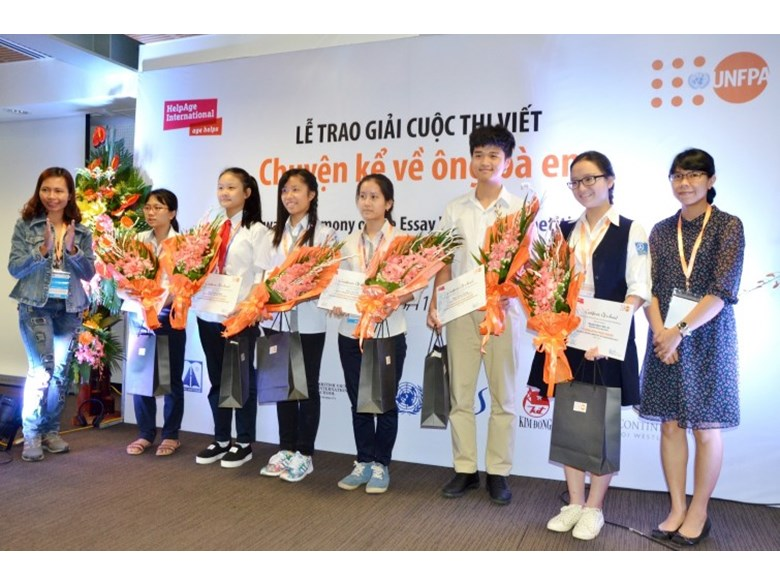 UNFPA writing prize for Hong Quang