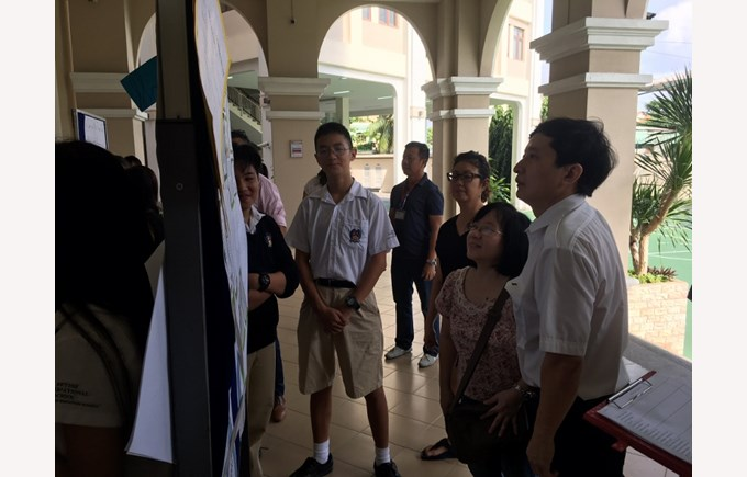 BIS HCMC Year 8 Science Fair 2017 2 (800x600)