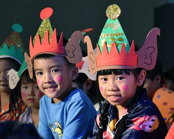 Year 1 Christmas Production (8)