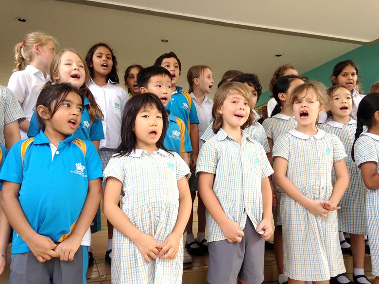 Singing Voices on School Steps 2017