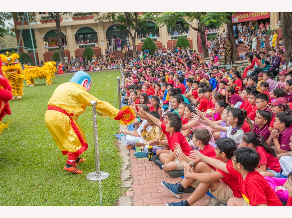 An Phu Primary Moon Festival 2016 1
