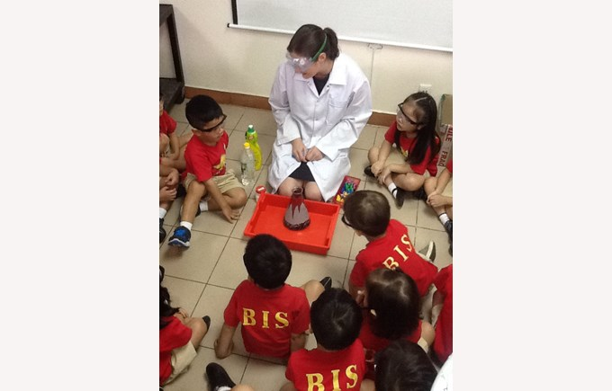 F2 Visit to Secondary Science (17)
