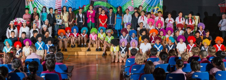 Charlie and The Chocolate Factory BIS Tu Xuong Primary 2015