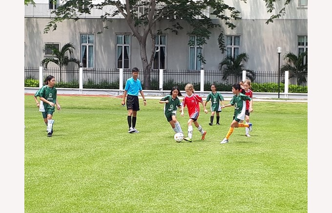 SISAC U11 Girls Football  (6)