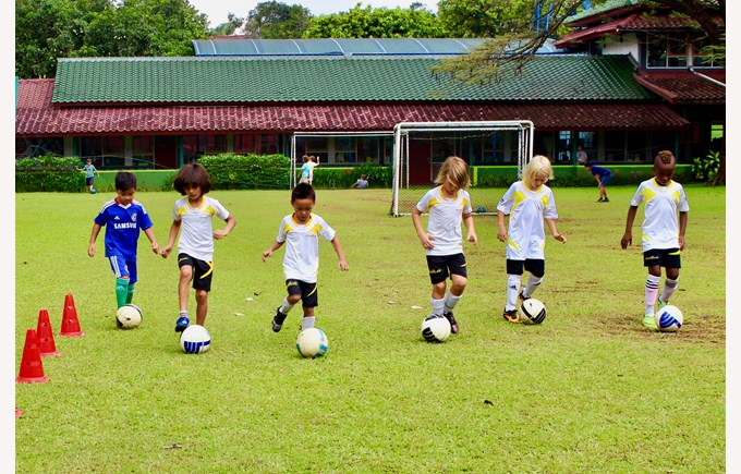 Football and soccer coaching | NIS international school Jakarta